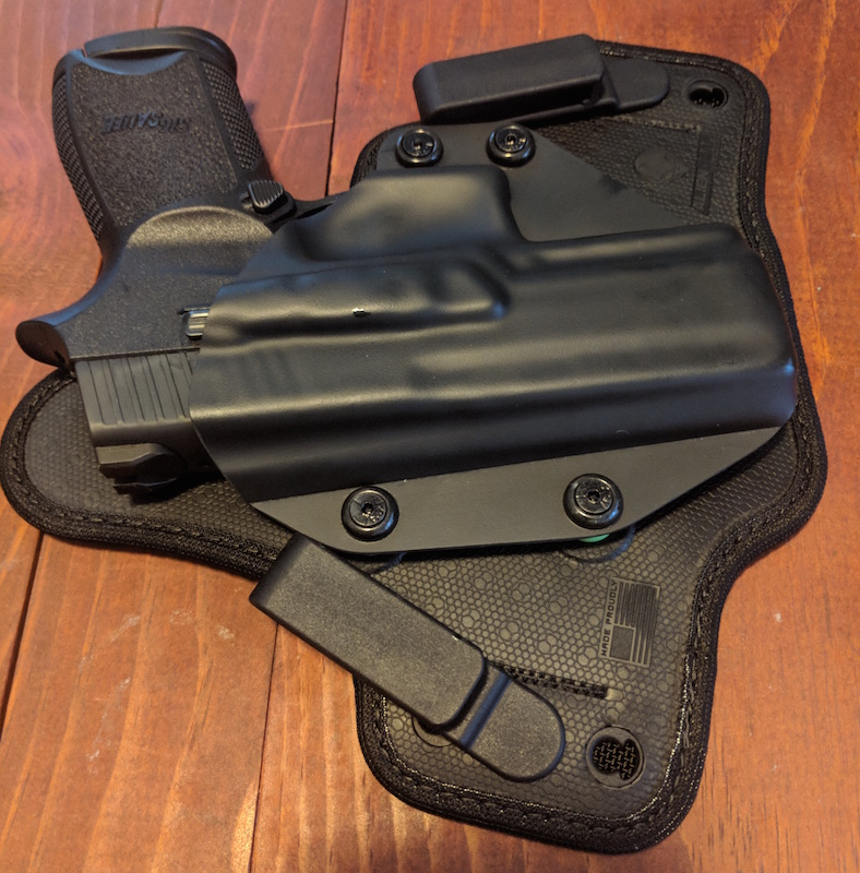 alien gear iwb holster with pistol