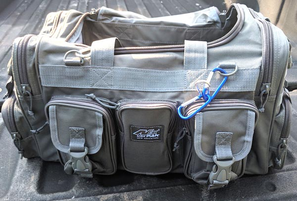 NPUSA duffel bag feature