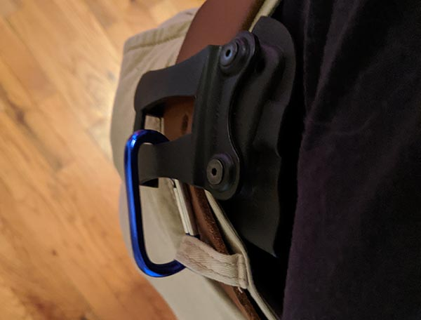 anchor iwb holster to prevent sliding using string or small carabiner
