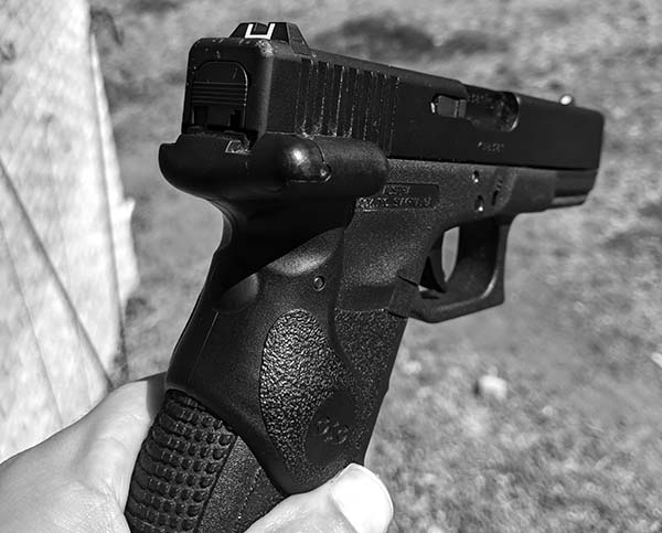 .40 caliber glock with laser sight rear view