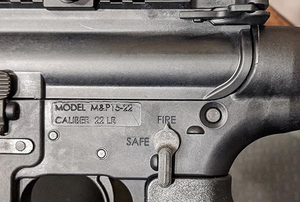 rifle selector switch to put weapon on safe or fire