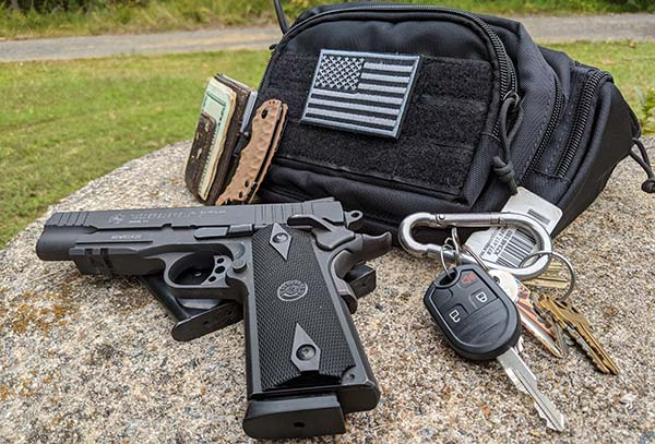 one of the best concealed carry fanny packs by FRTKK